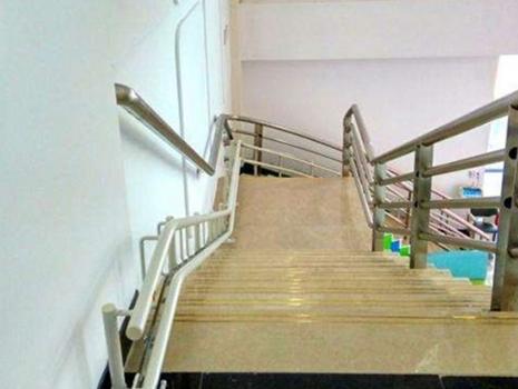 楼梯提升椅