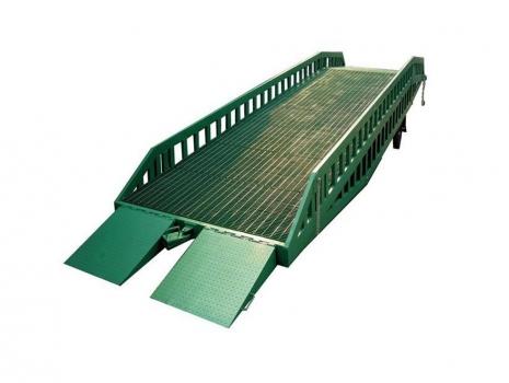 集装箱登车桥